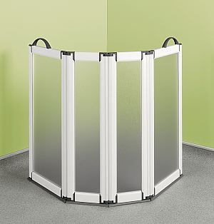 Free standing portable shower screen