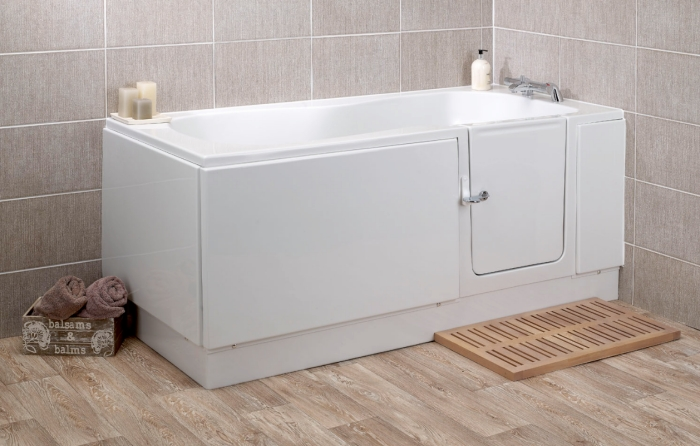 The Kubex Pearl full length walk in bath with moulded seat