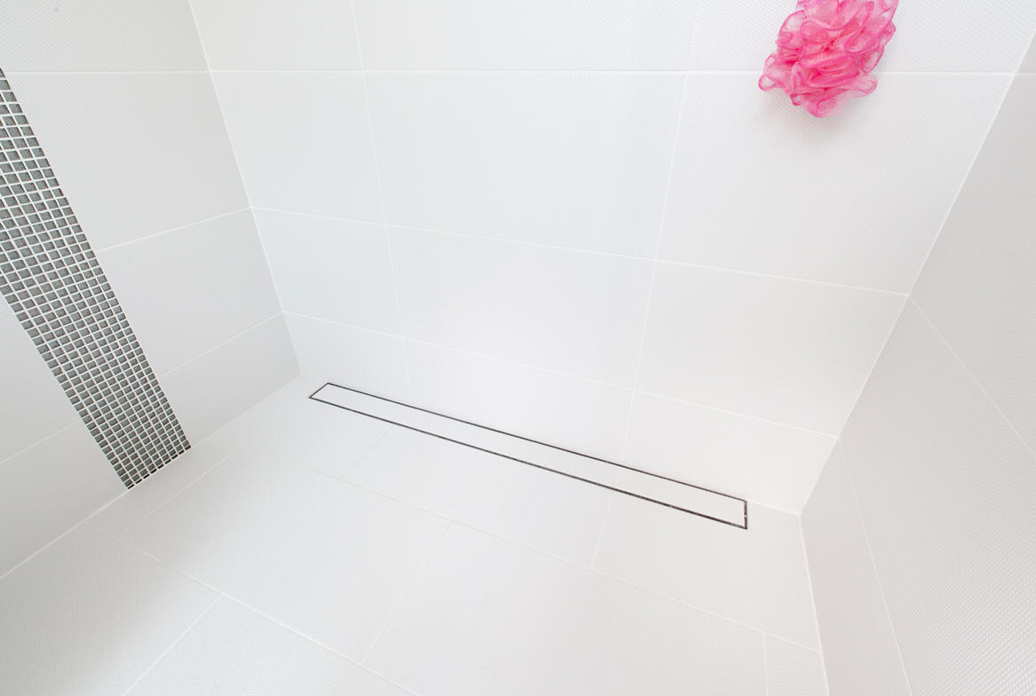 Ideas and images to help you design your wet room shower 19